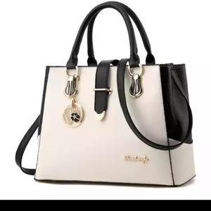 Elegant Hand/Shoulder Bag